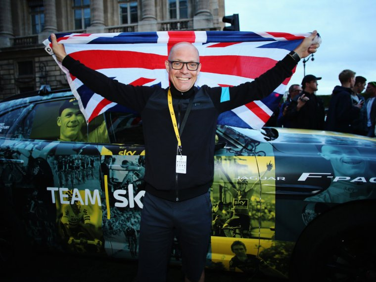 sir-dave-brailsford-tour-de-france-stage-21-f-pace_3329958