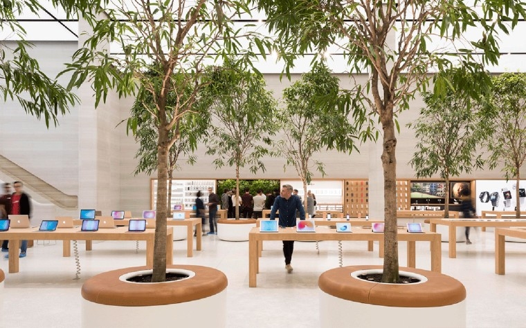 Apple-Regent-Street-store-by-Foster-Partners-3